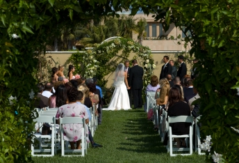 Bride and Groom Framed by Leaves - MattGeorge.me